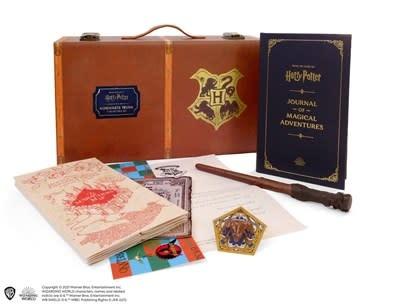 Running Press Adult Harry Potter: Hogwarts Trunk Collectible Set