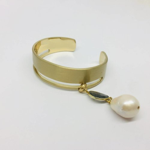 Kat Designs Gold Cuff with Freshwater Peark Accent