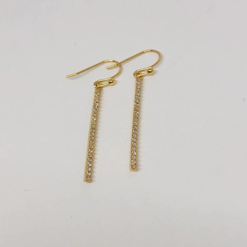 Tai Gold Stick Studs