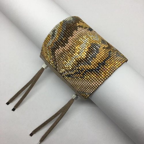 Julie Rofman Handwoven Glass Beaded Bracelet Oro