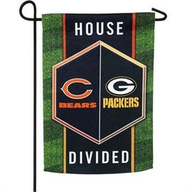 Evergreen Enterprises Green Bay Packers/Chicago Bears House Divided Garden Flag