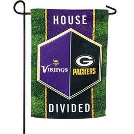 Evergreen Enterprises Green Bay Packers/Minnesota Vikings House Divided Garden Flag