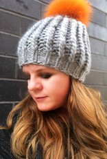 Woolly&Co. Twisted Rib hat with Pom - grey with orange