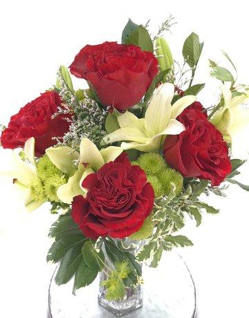 Deluxe Half-Dozen Roses with Lilys