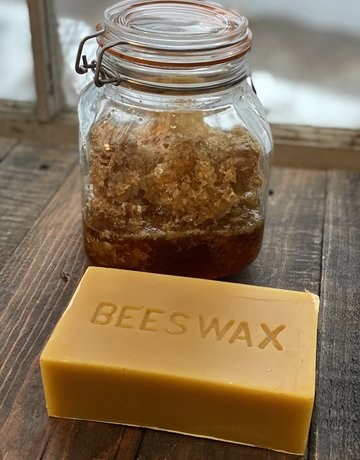 Beeswax in a 1 lb. Bar