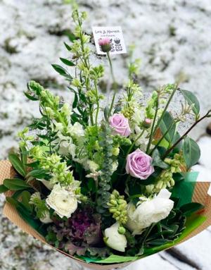 Platinum Bouquet in Paper