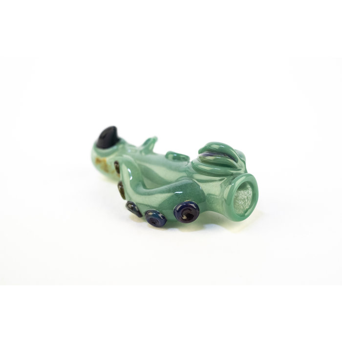 Mako Chillum Green Frit w/ Black Horn