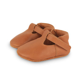 donsje Camel Classic Shoes