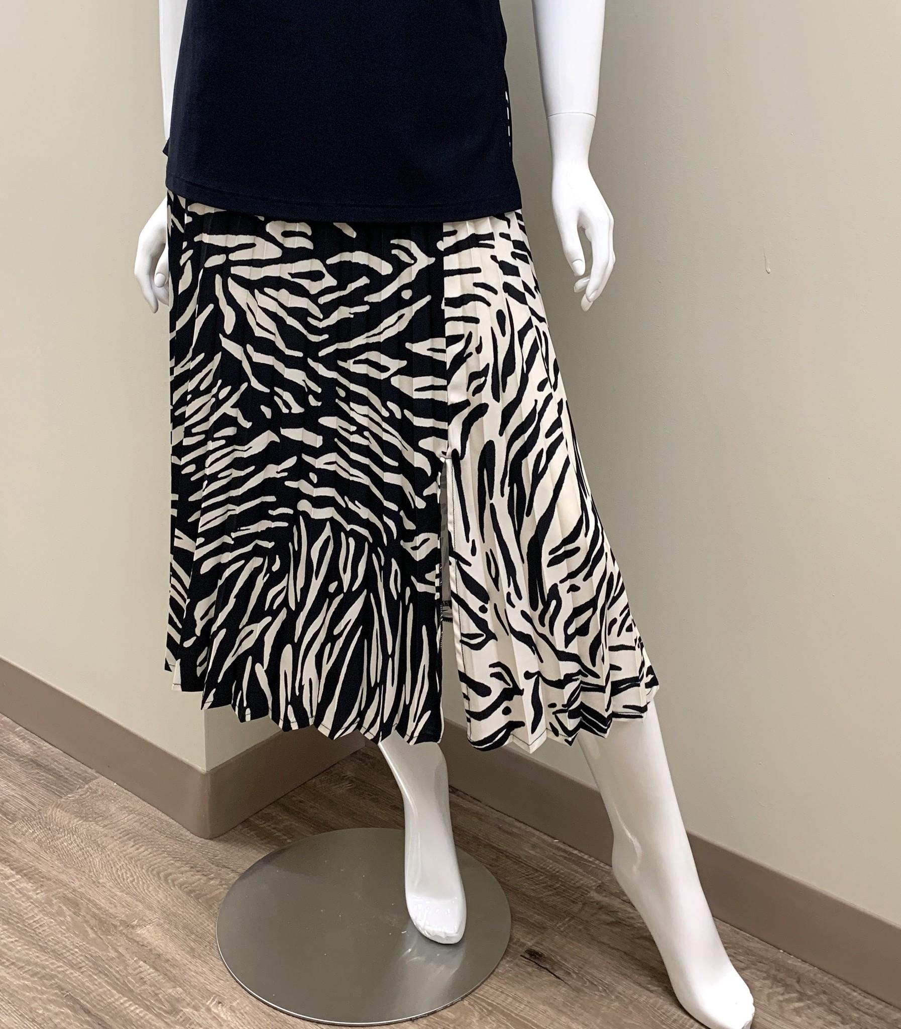 Isle Pleated Skirt