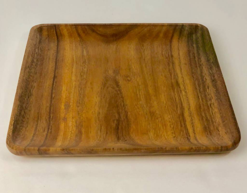12 IN SQUARE WOODEN PLATE