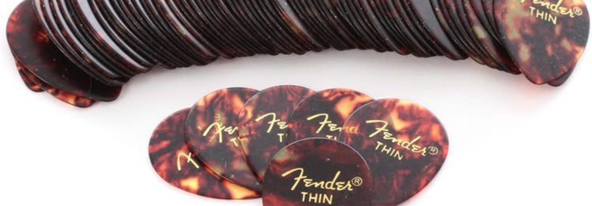 Fender Celluloid 358 Thin ( 12 pk)