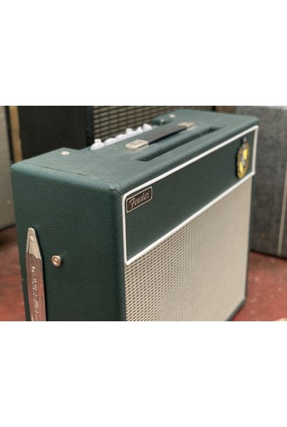 """Hufflepuff"" Fender Blues Junior 2x10 (re-housed)"