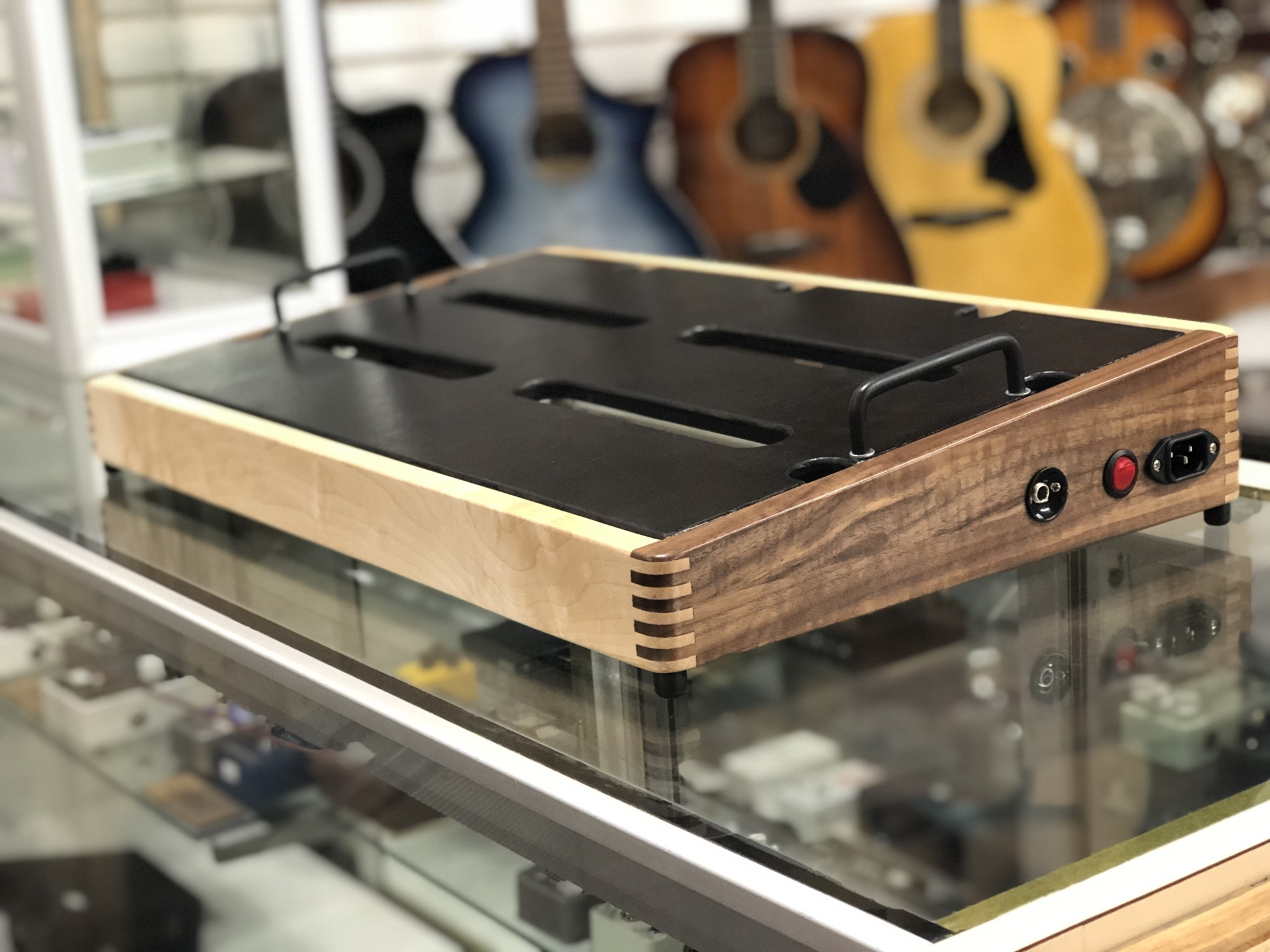 "Indy String Theory 24""x14"" Maple/Walnut Pedalboard-3"