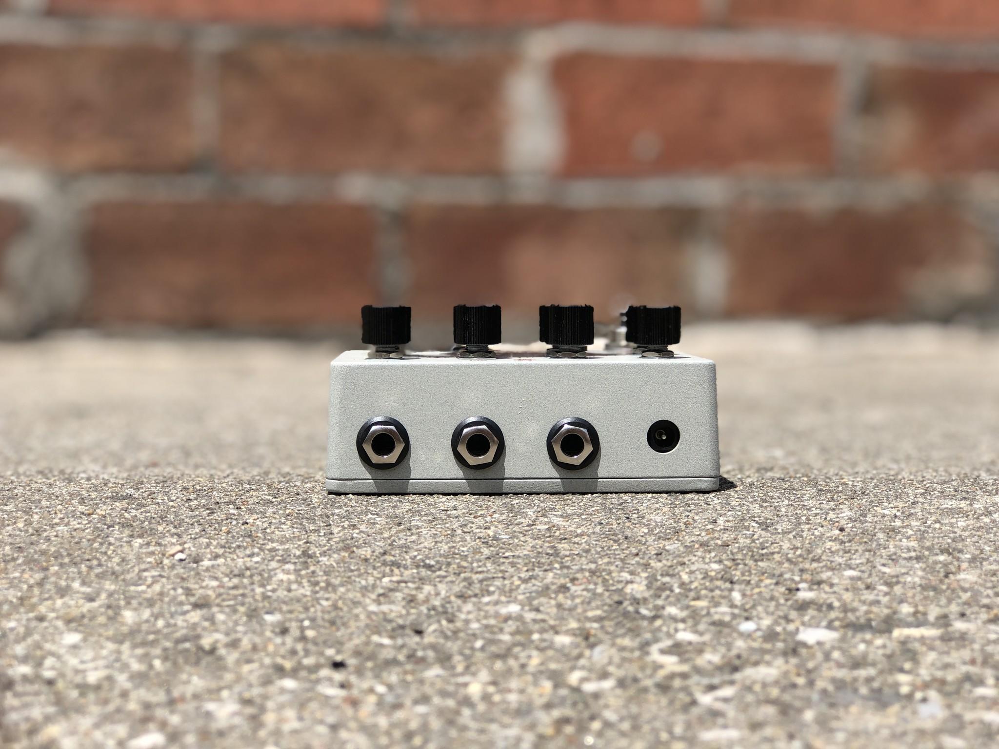Walrus Audio Luminary Quad Octave Generator-3