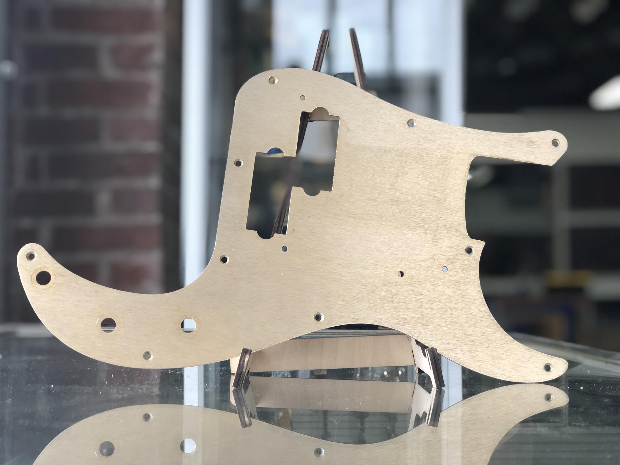 Fender Anodized Precision Bass Pickguard 10 hole 57'-1