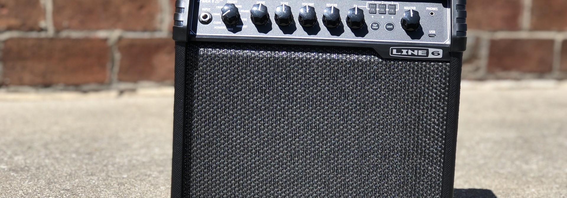 """Line 6 Spider V 20 20-watt 1x8"""" speaker"""