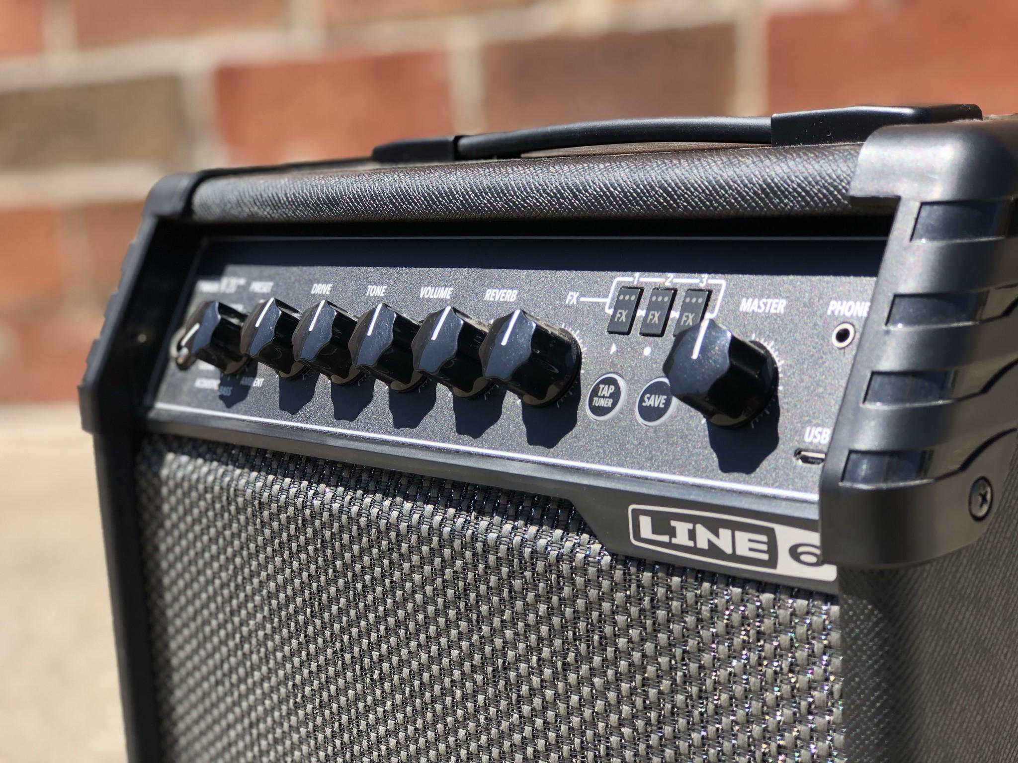"""Line 6 Spider V 20 20-watt 1x8"""" speaker-3"""