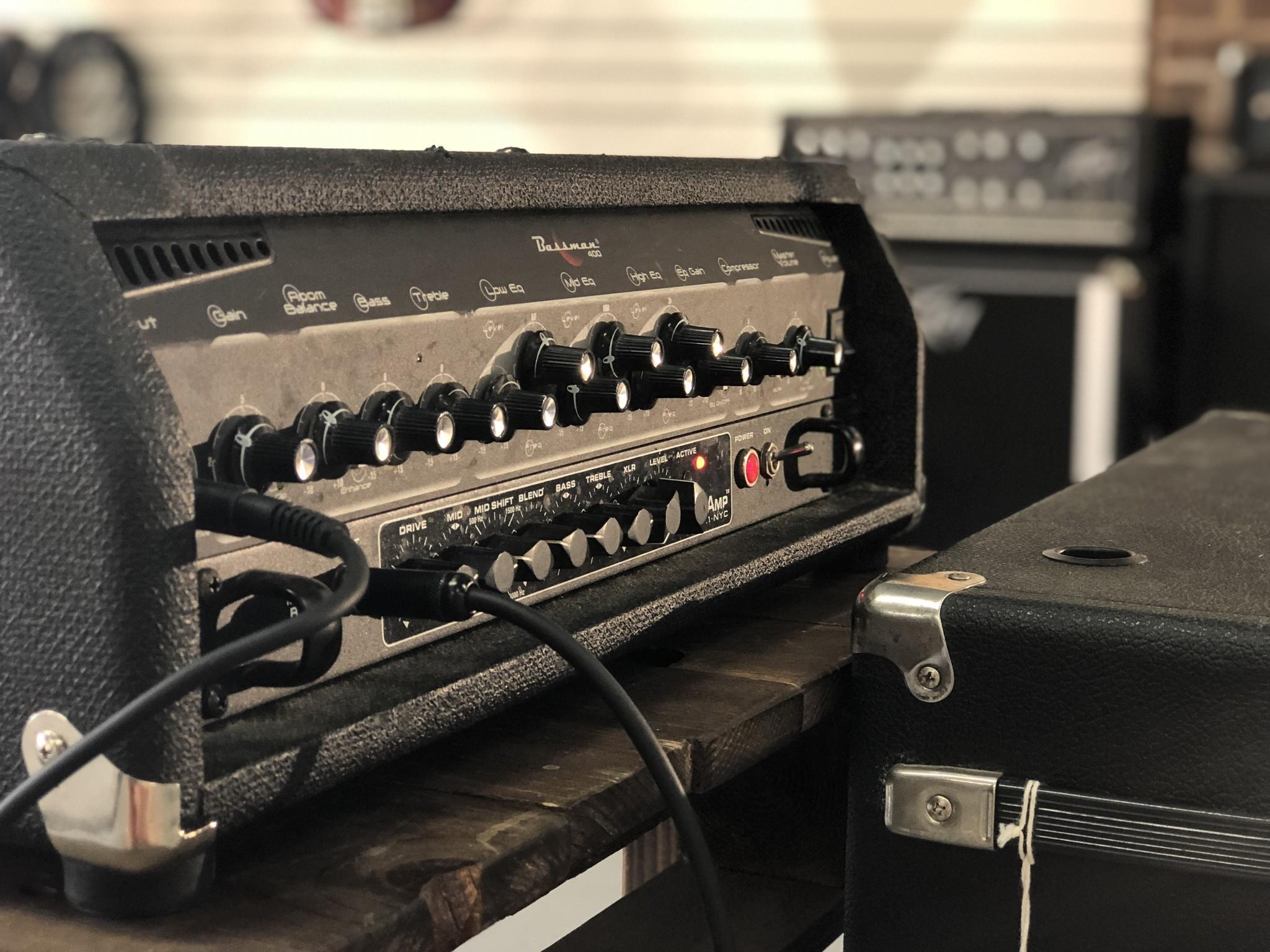 Fender Bassman 400 Rack Head-2