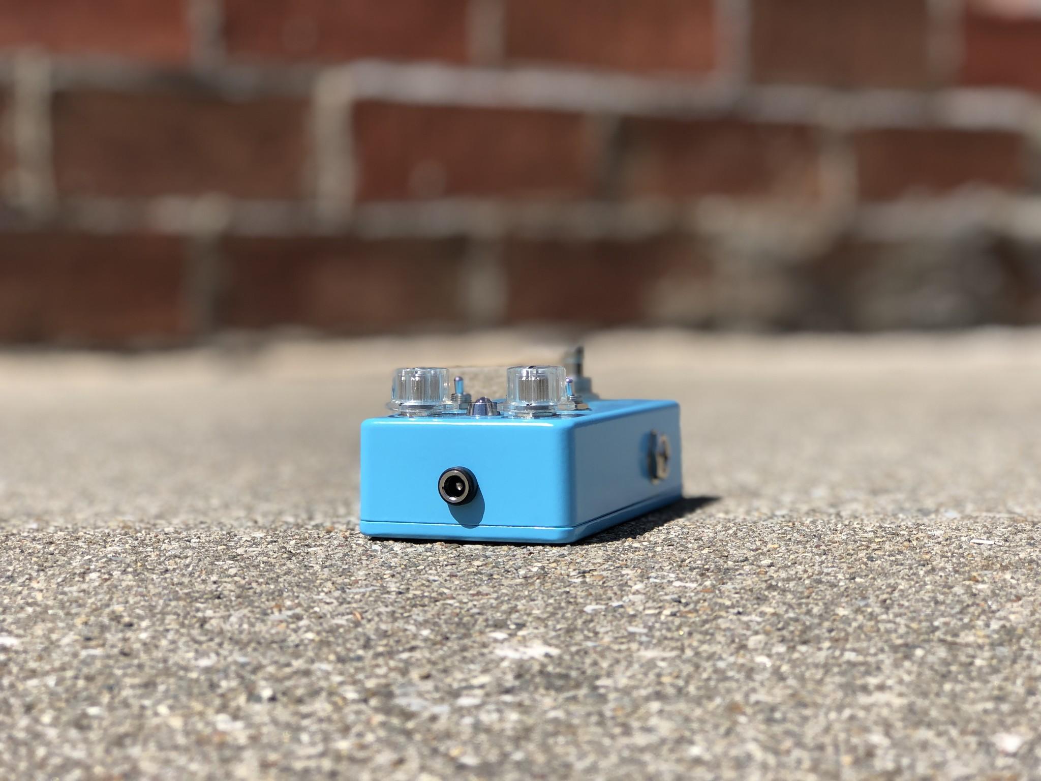 Dirt + Plus - GenErik Sounds Distortion Pedal-5