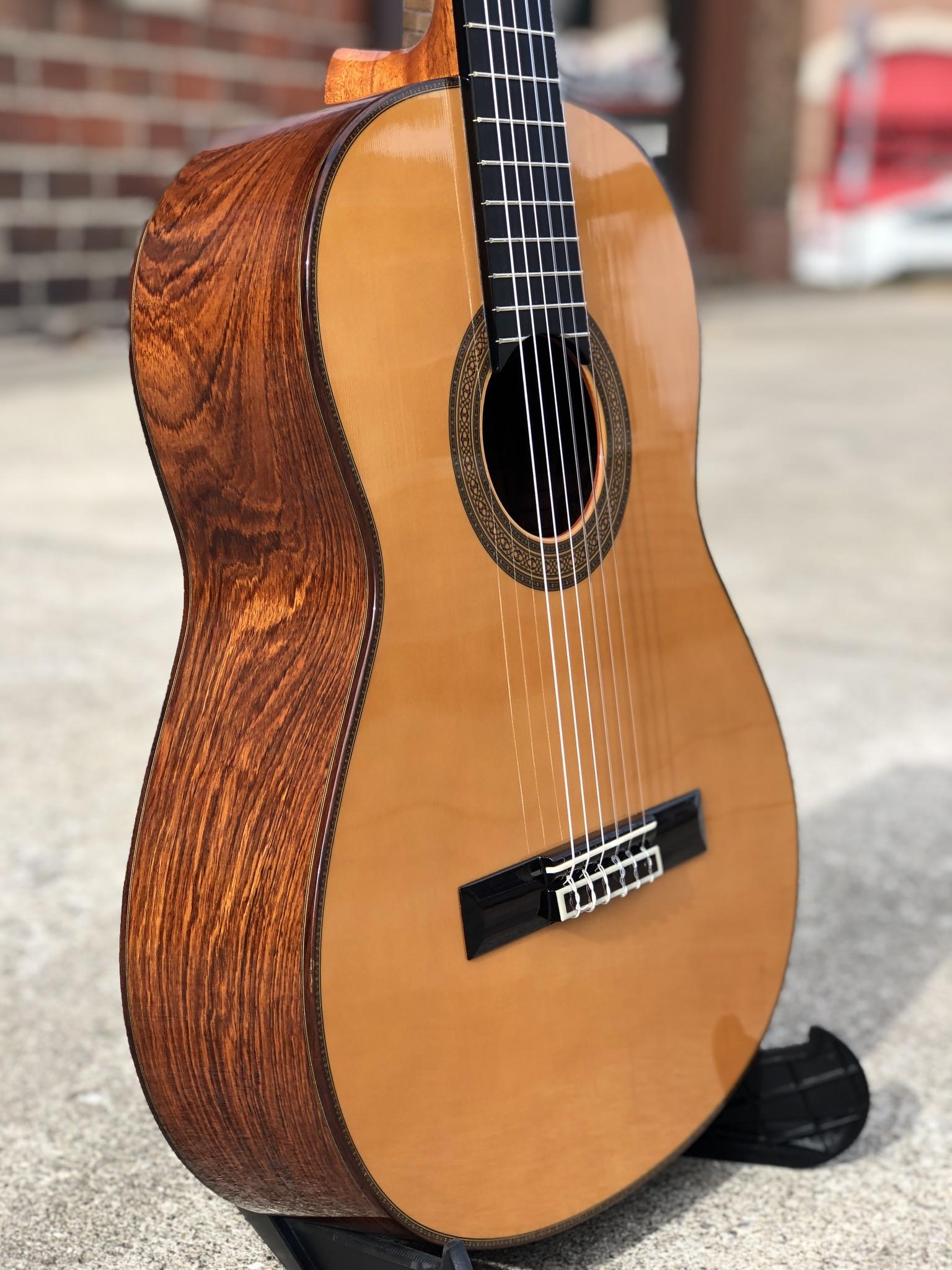 Yamaha GC-41 Classical-2
