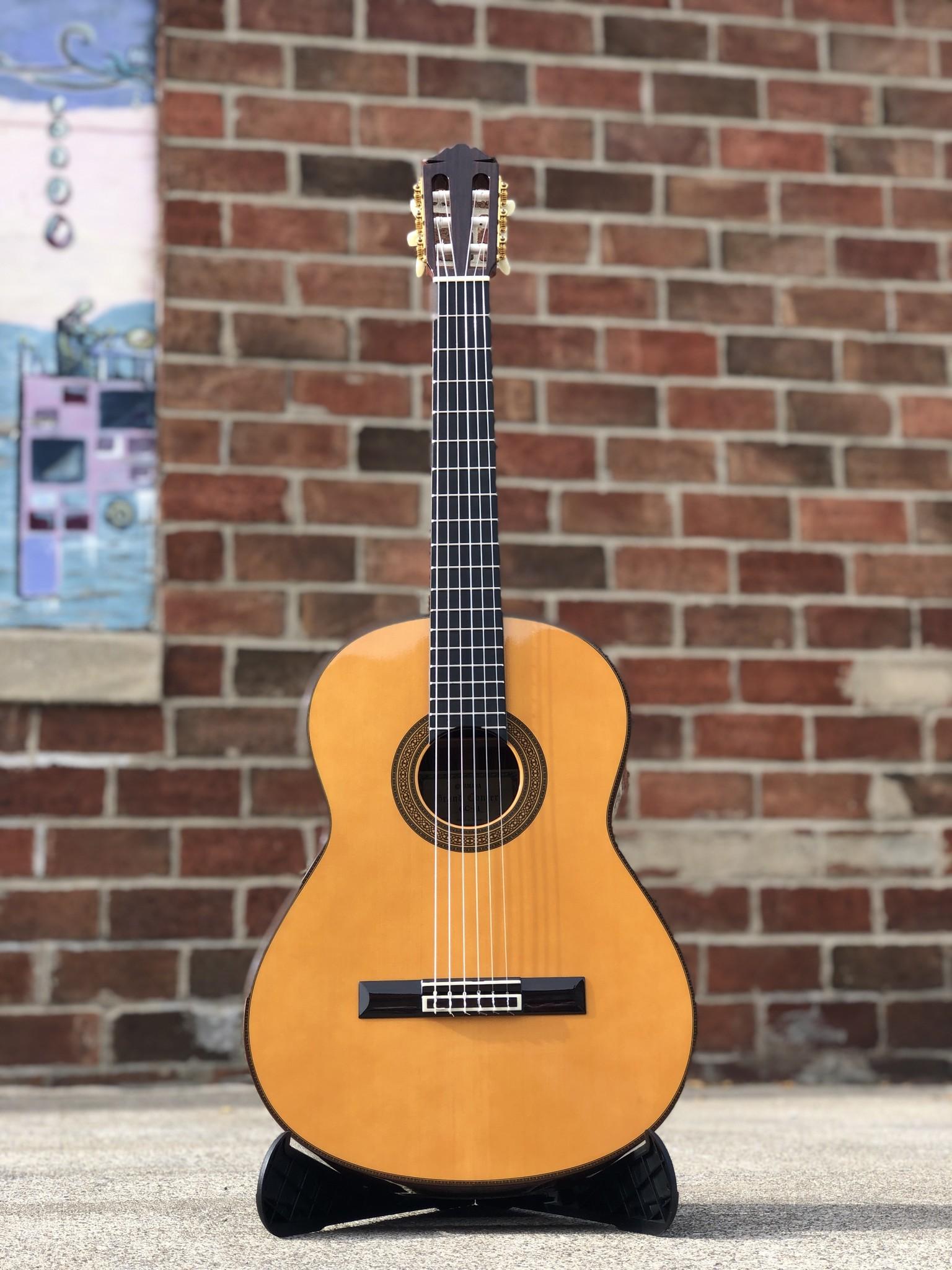 Yamaha GC-41 Classical-1