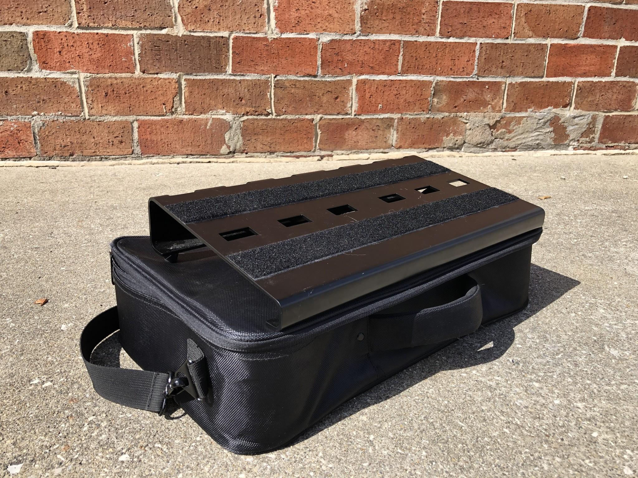 On-Stage GPB3000 Pedal Board w/ case-1