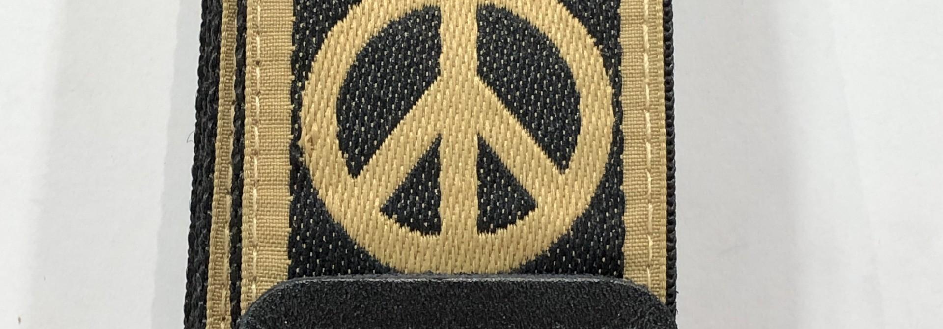 Ernie Ball Peace Love Dove Jacquard Strap P04613