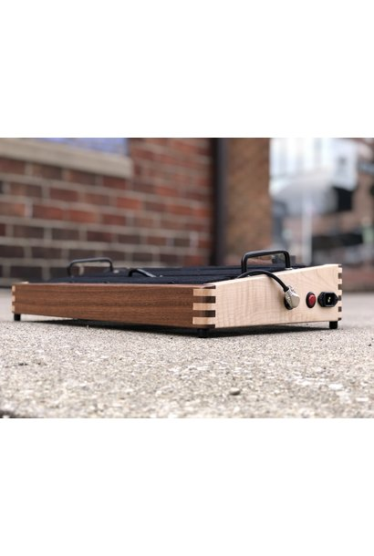 "Indy String Theory Pedalboard Walnut/Maple 18""x12"""