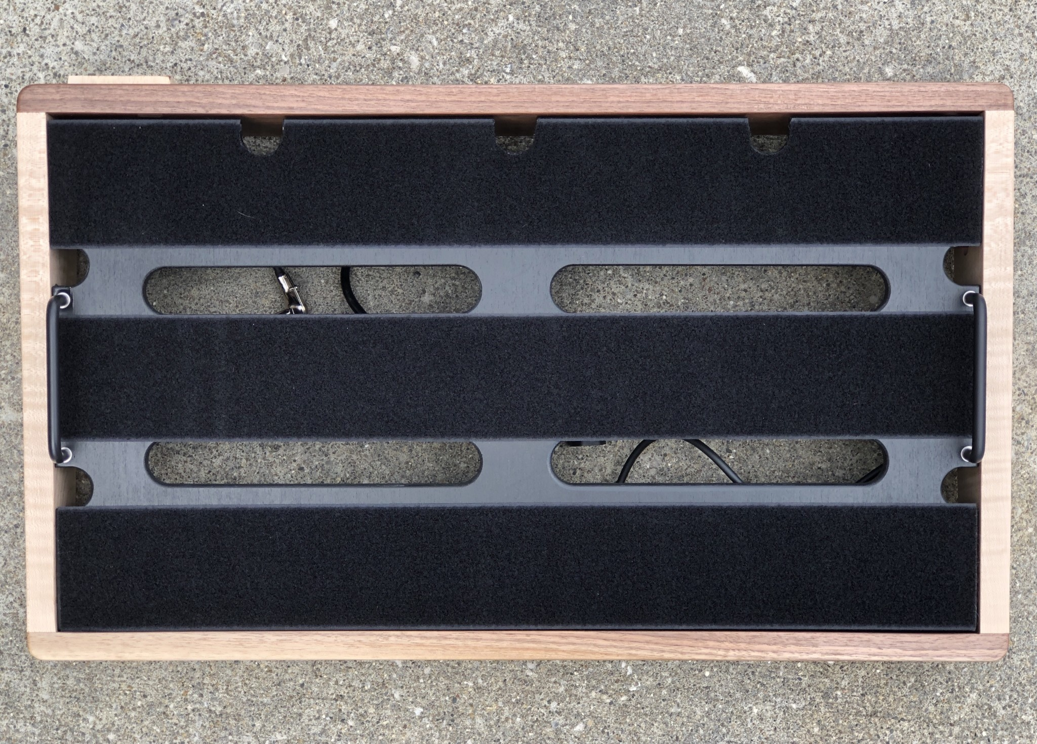 """Indy String Theory Pedalboard Walnut/Maple 24""""x14""""-7"""