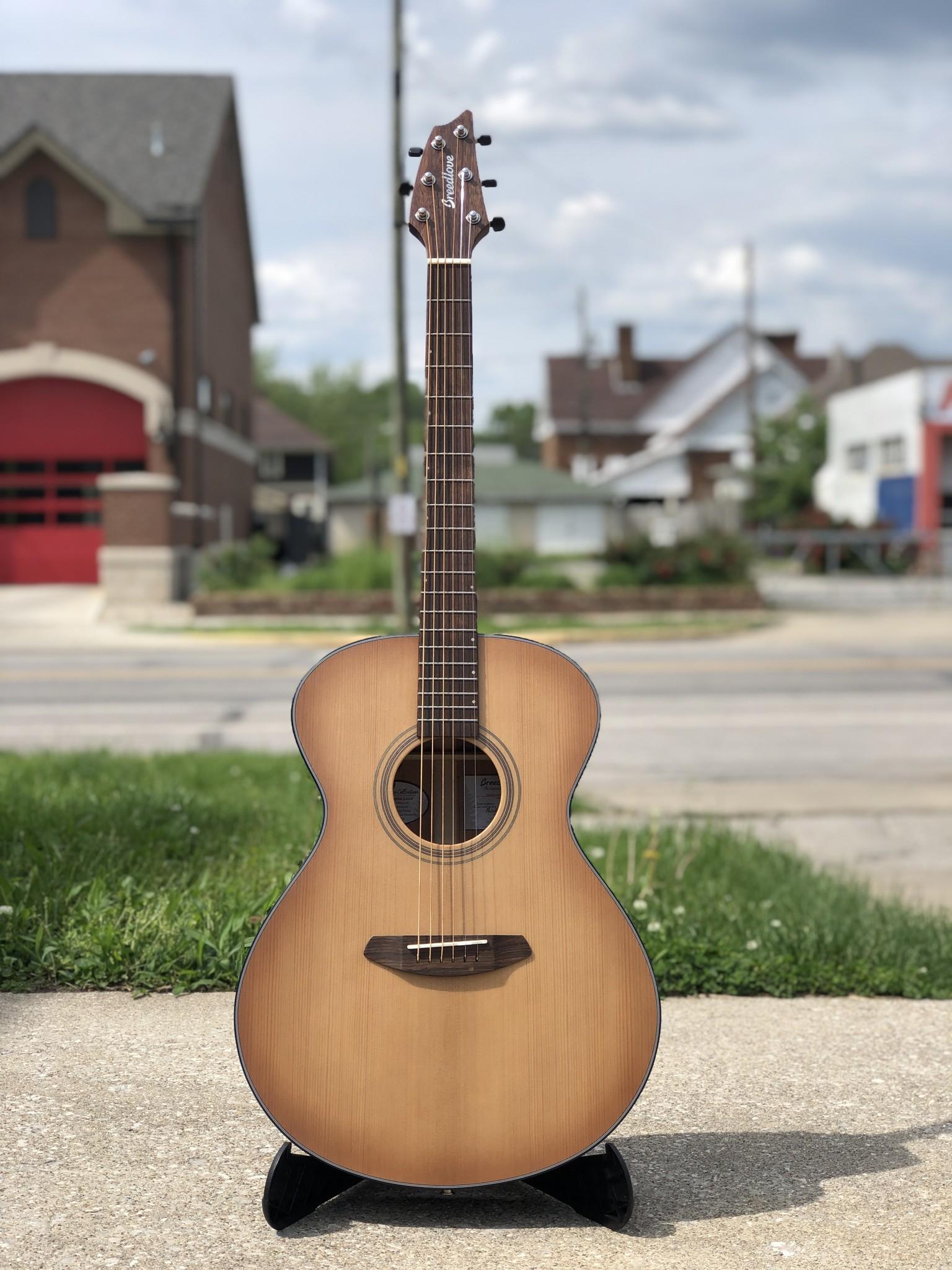 Breedlove Guitars Signature Concert Copper E Acoustic Electric-1