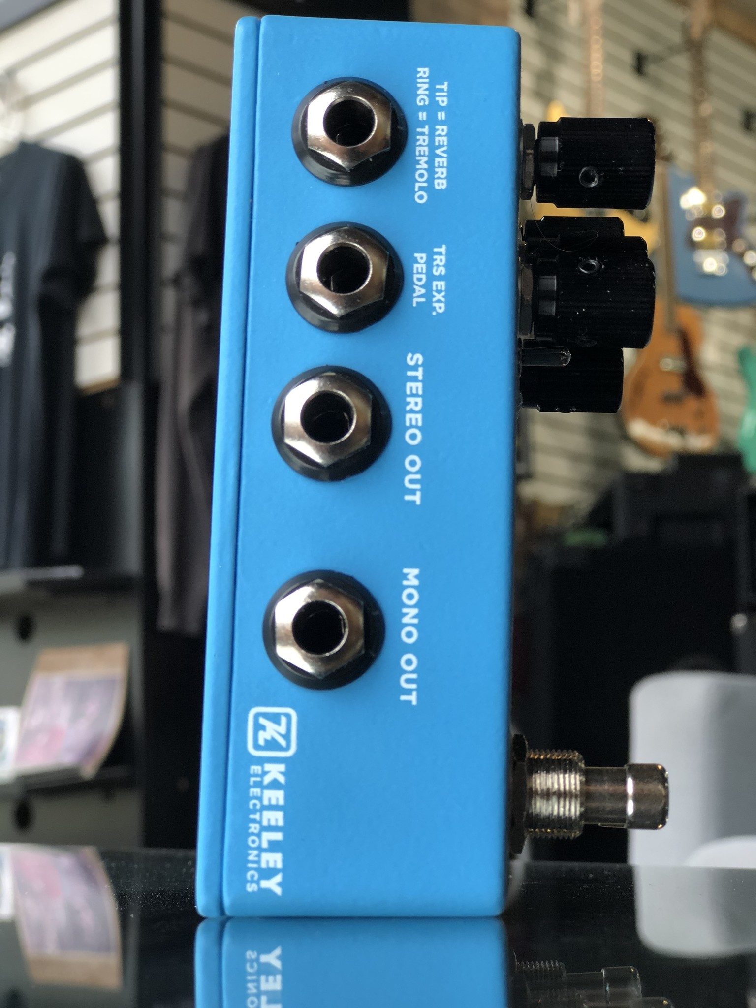 Keeley Hydra Stereo Reverb & Tremolo-2