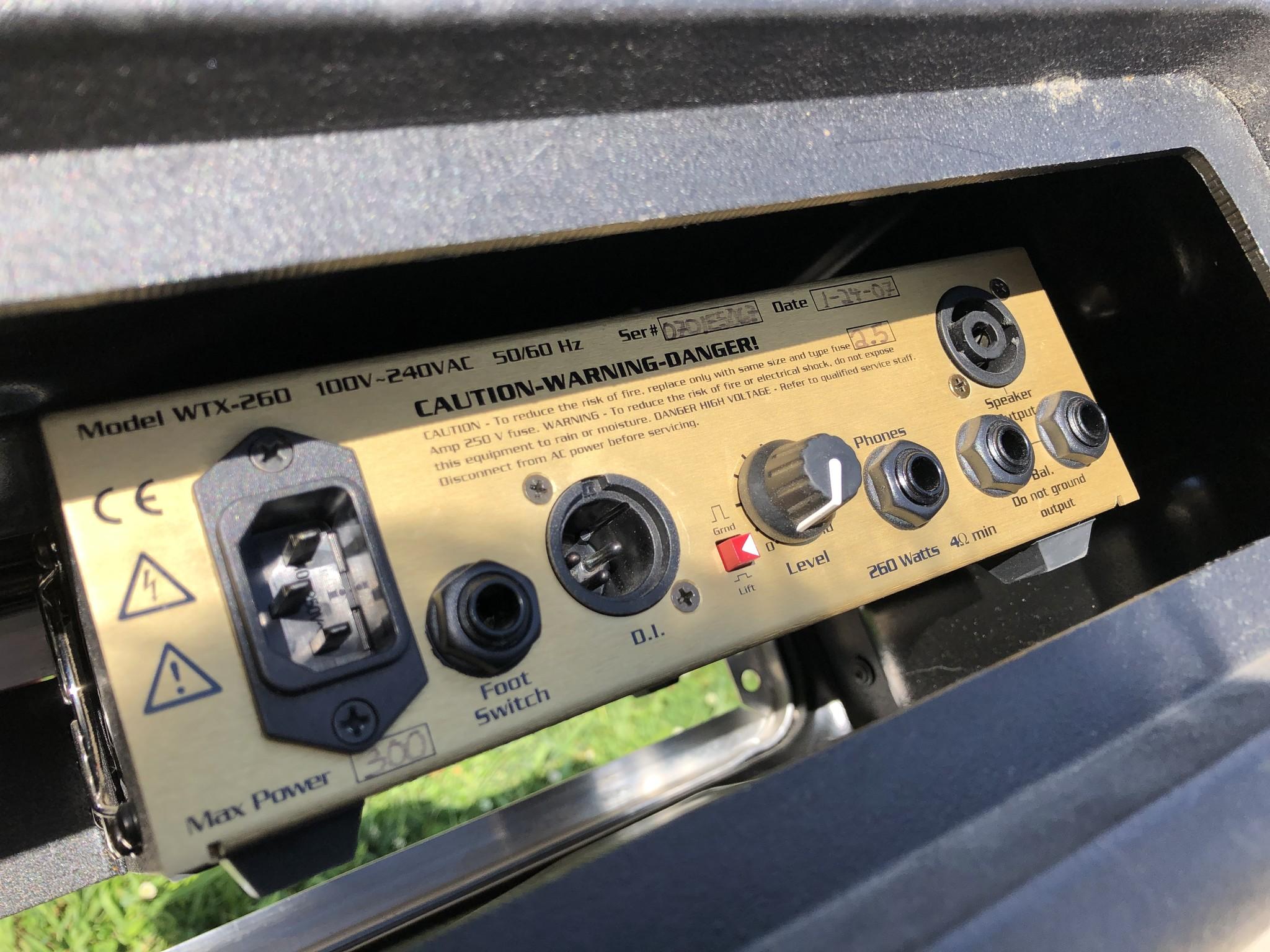 Eden WTX-260 Sub Compact Bass Head-4