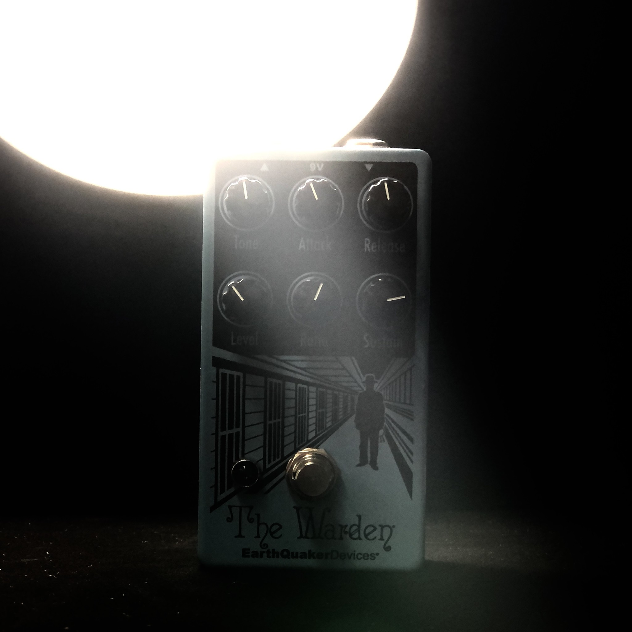 Earthquaker Devices The Warden - Optical Compressor-2