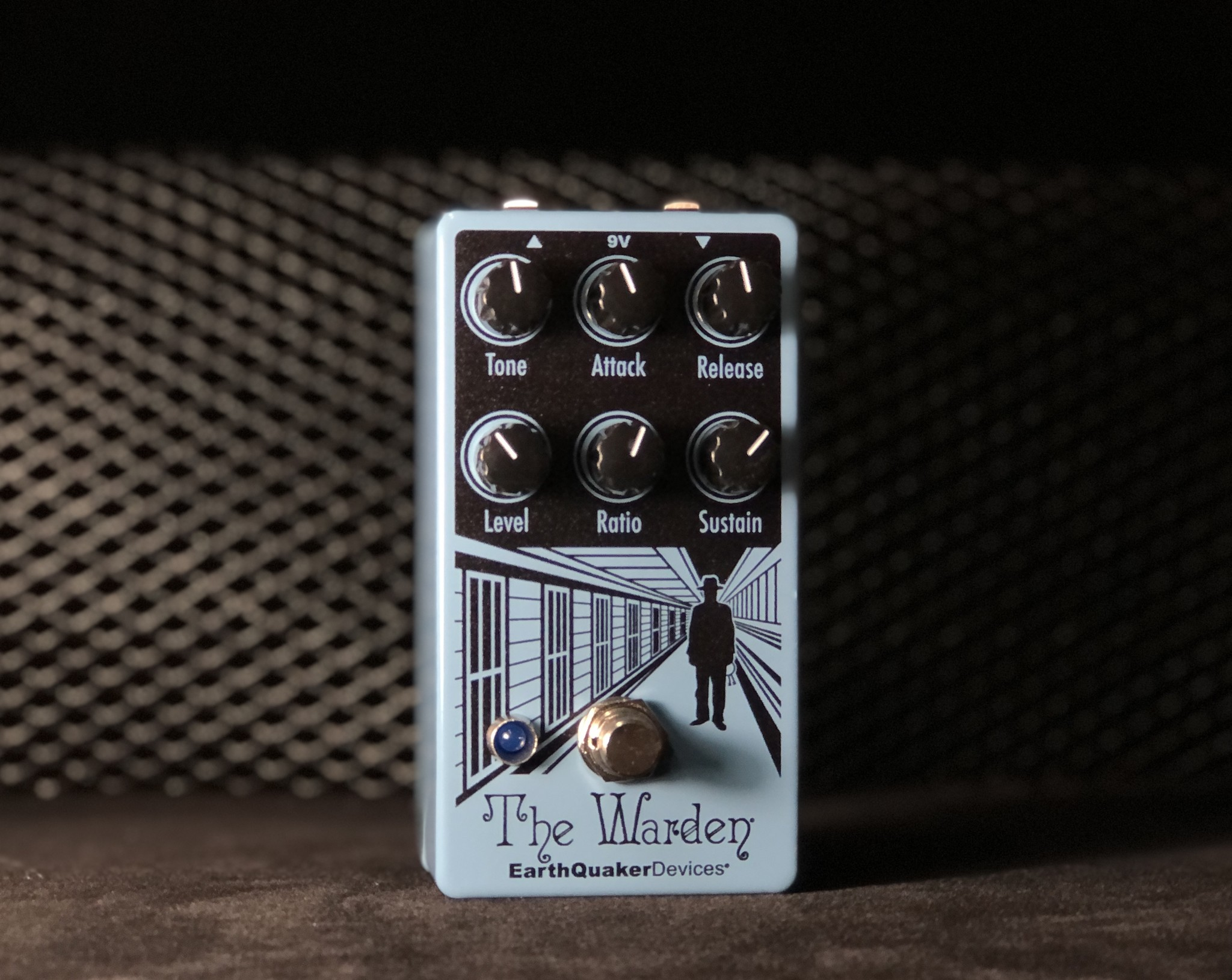 Earthquaker Devices The Warden - Optical Compressor-1