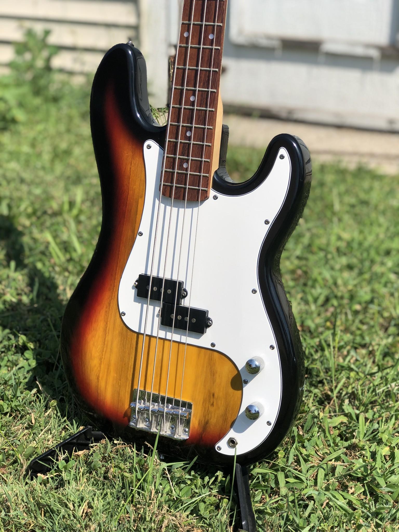 Crescent P-Style Bass-3
