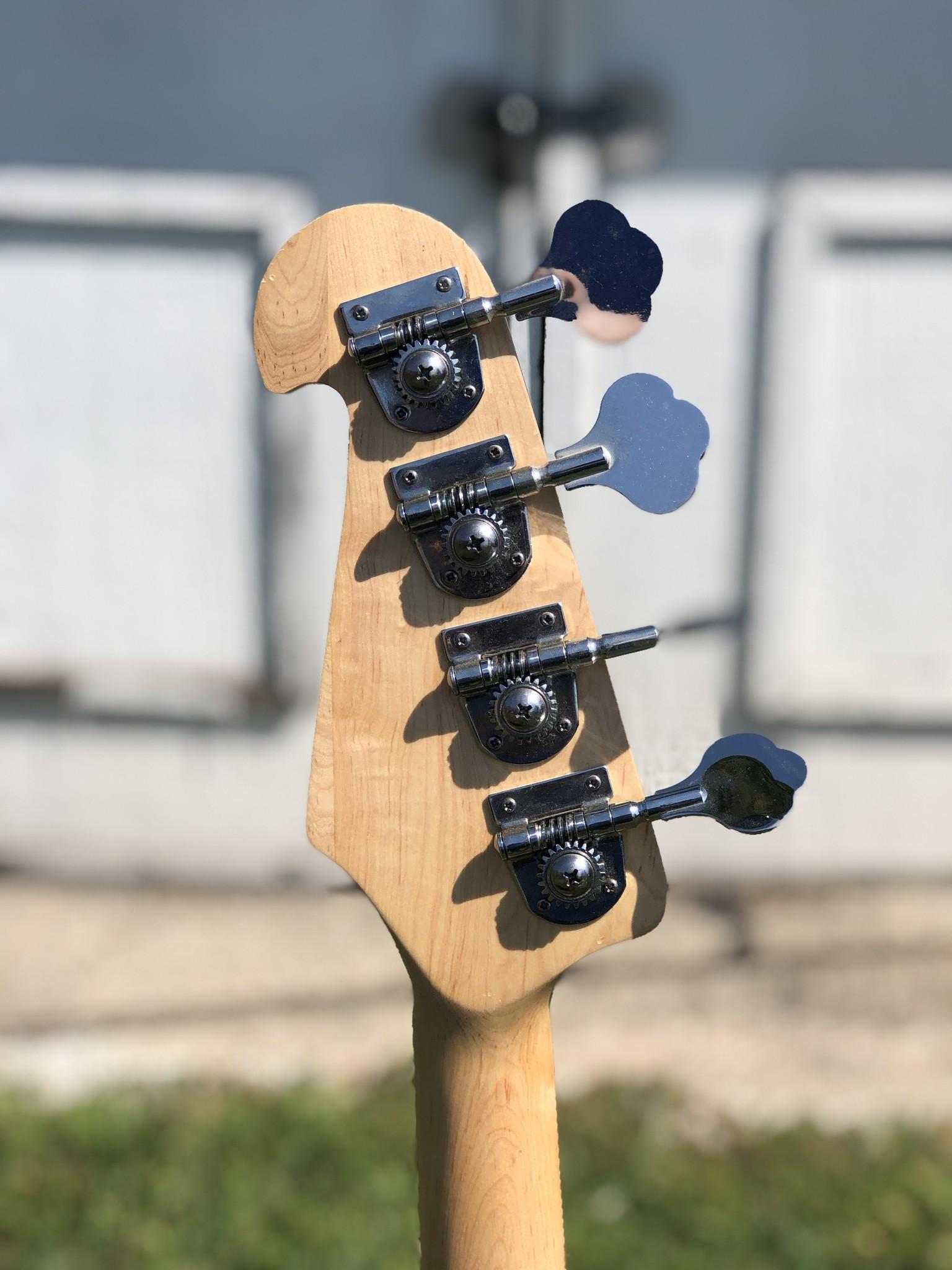 Crescent P-Style Bass-4