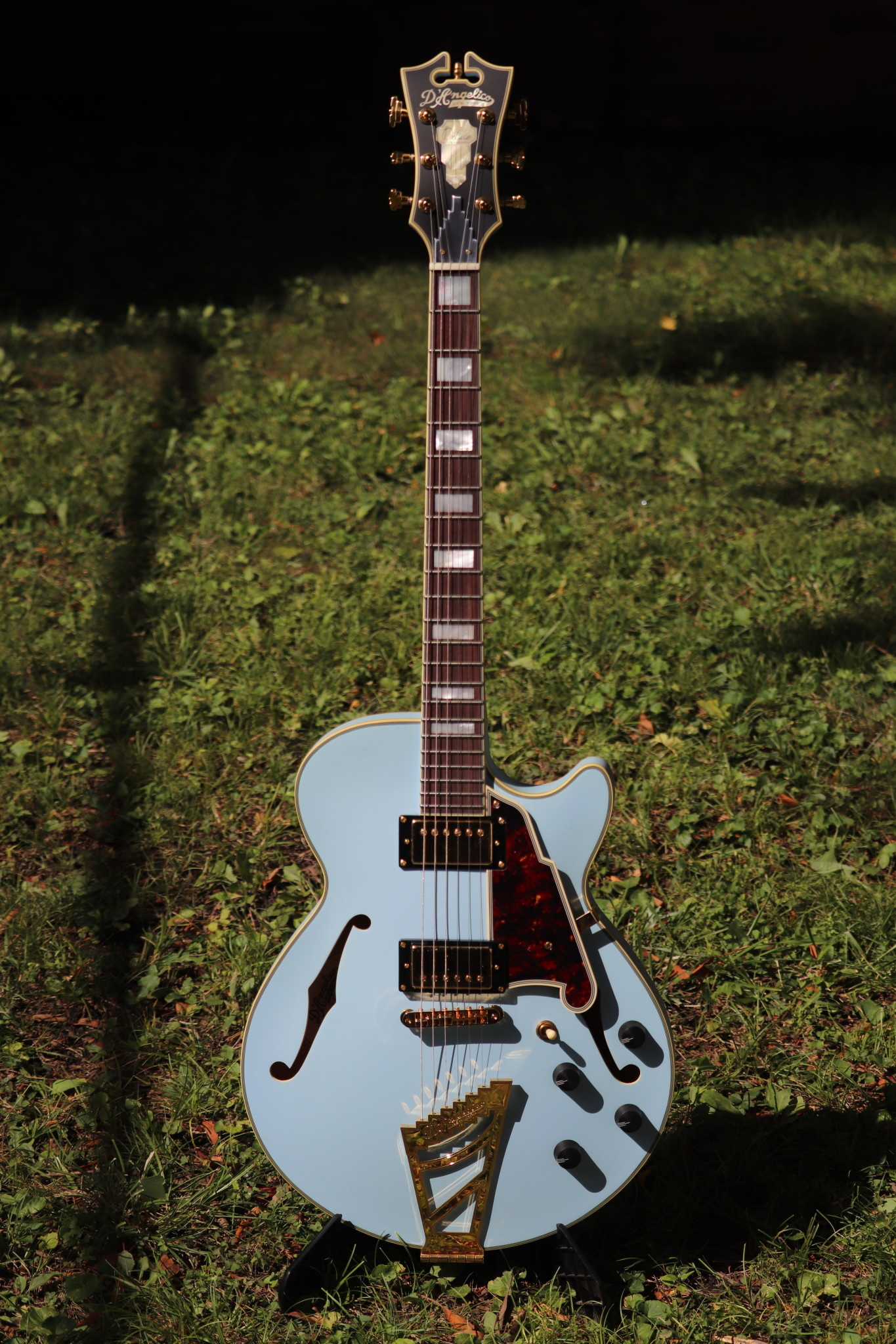 D'Angelico Deluxe DLX-SSTP Semi-Hollow - Powder Blue-1