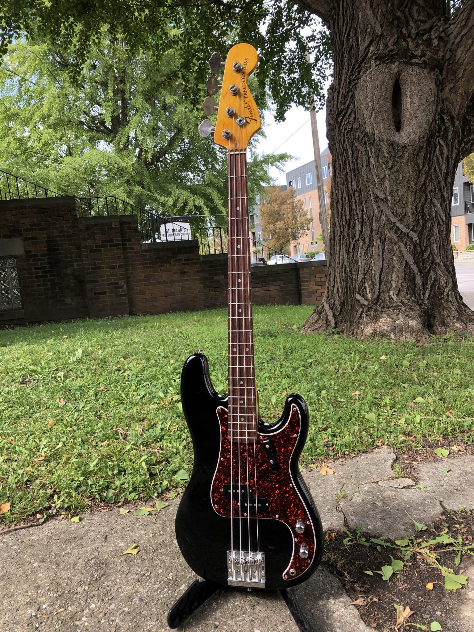Fender Precision Parts Bass black-1