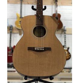 Eastman Guitars ACOM-1 Natural Acoustic Guitar w/Bag