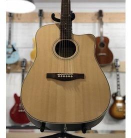 Eastman Guitars AC220-CE Natural Cutaway Acoustic/Electric Guitar w/Bag