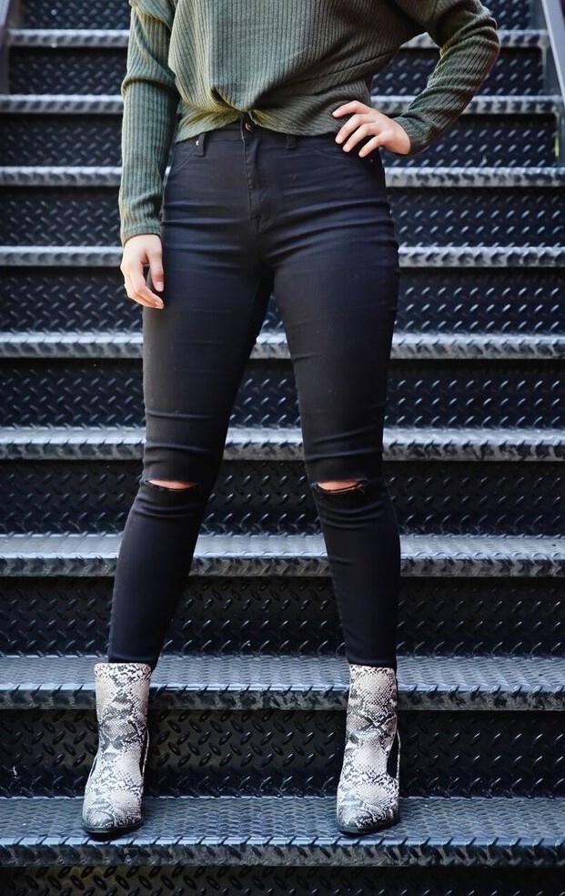 Black High Rise Skinny Jean w/ Step Hem