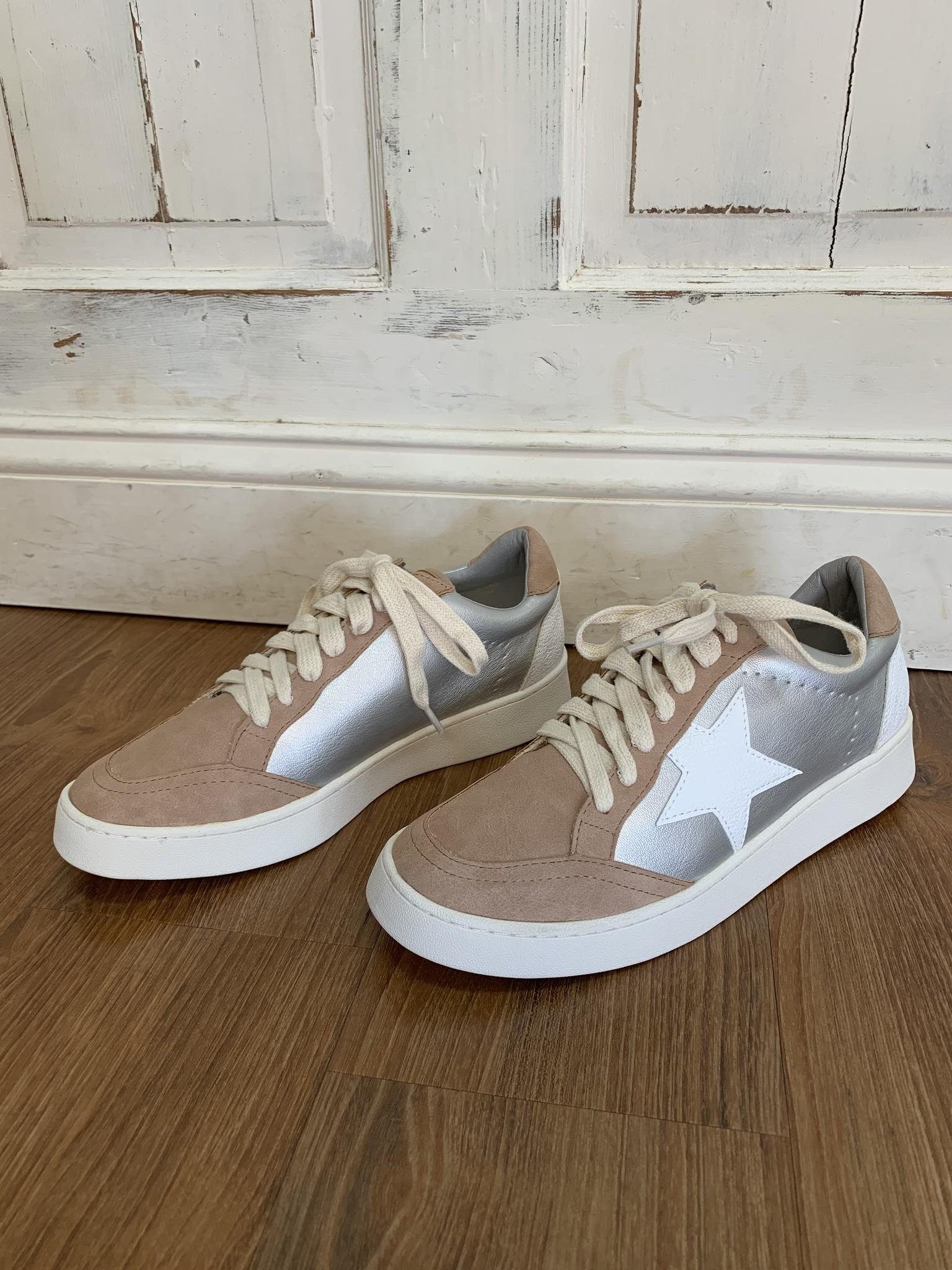 White Raven Star Sneaker