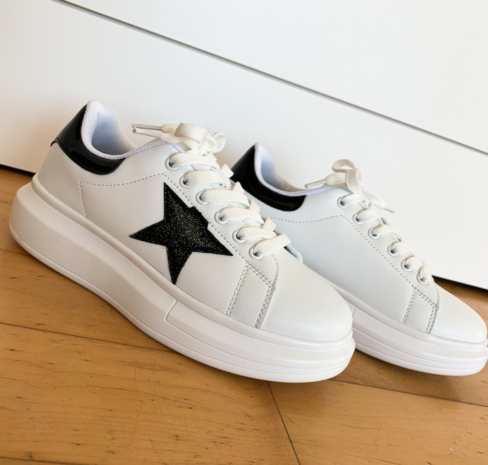 Berness White Sole Star Sneaker