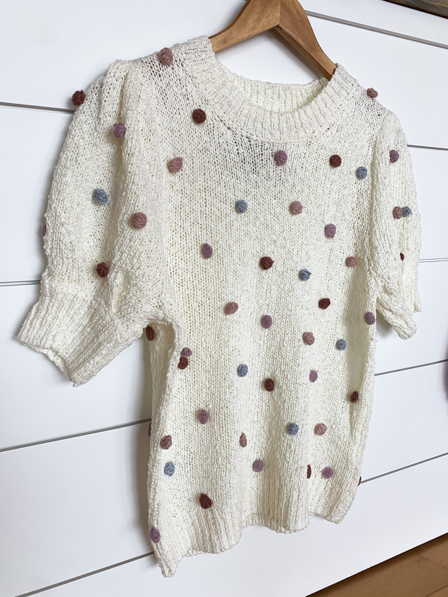 Cream Tufted Dot Short Sleeve Sweater