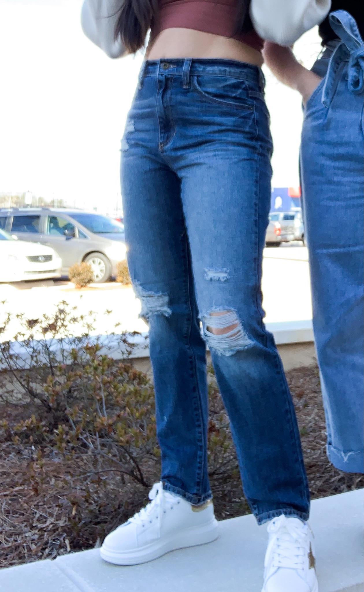 Medium Vintage High Rise Retro Skinny Jean