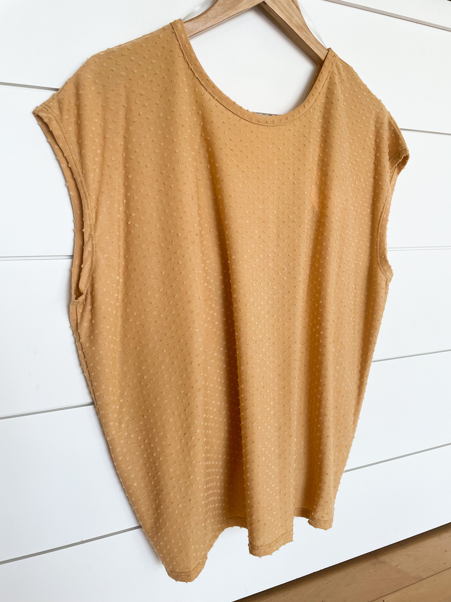 Twist Back Extended Short Sleeve Top