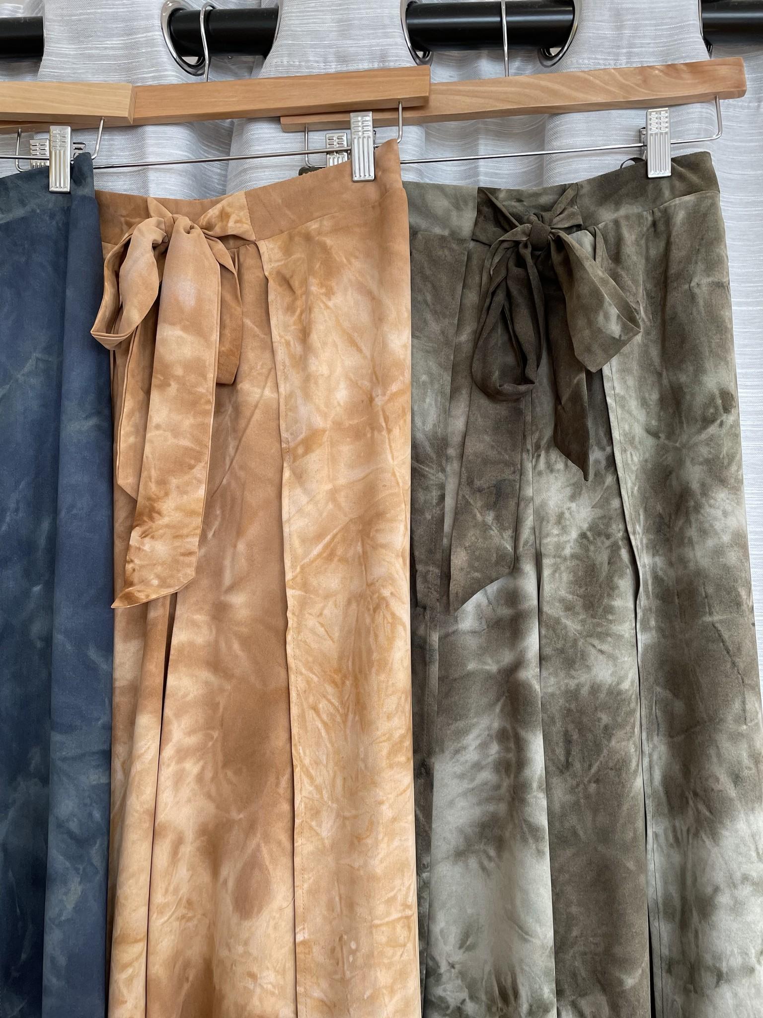 Urban Chic Wide Leg Tie Dye Slit Pants
