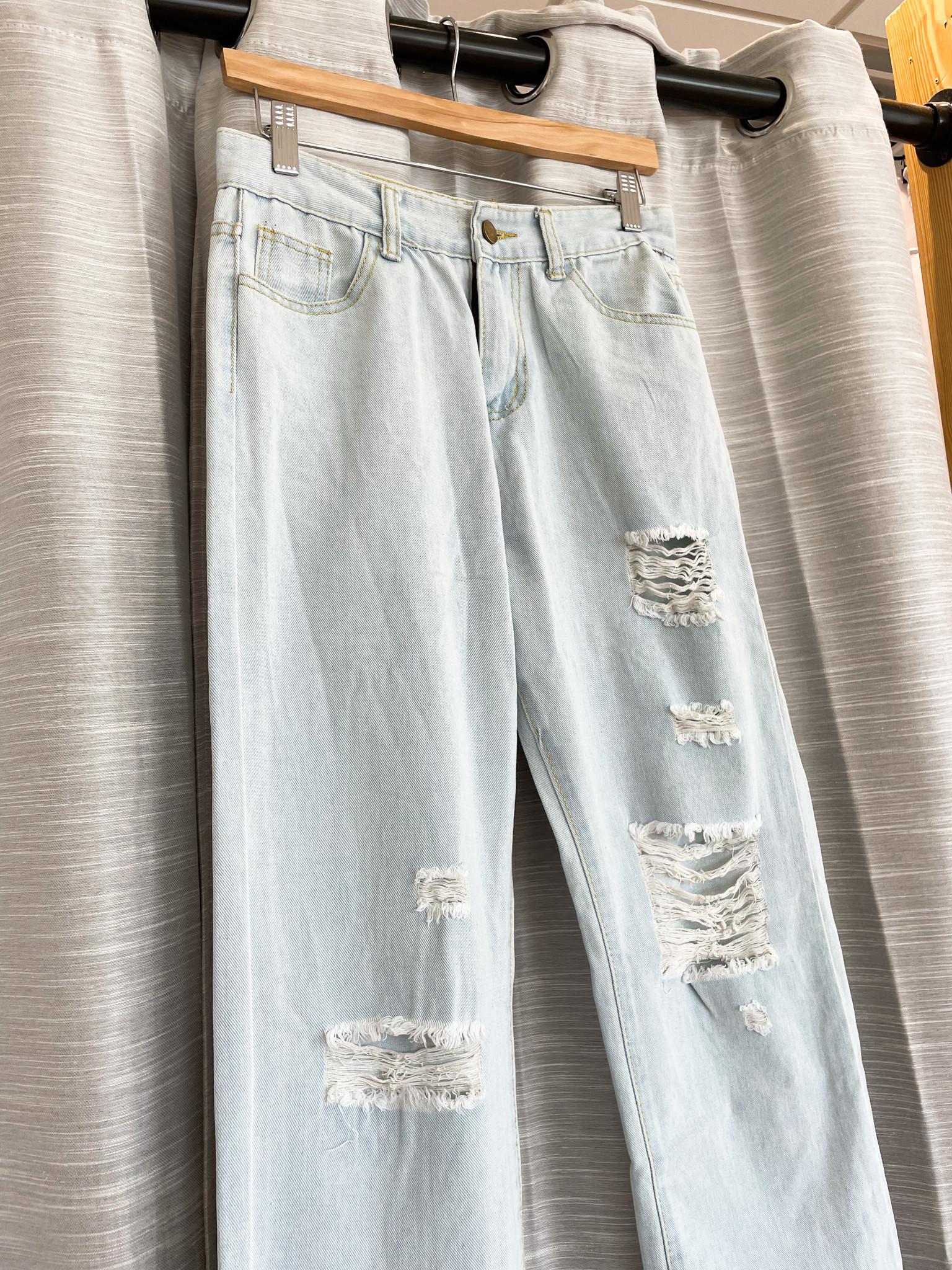 Wide Leg Light Wash Denim Jean