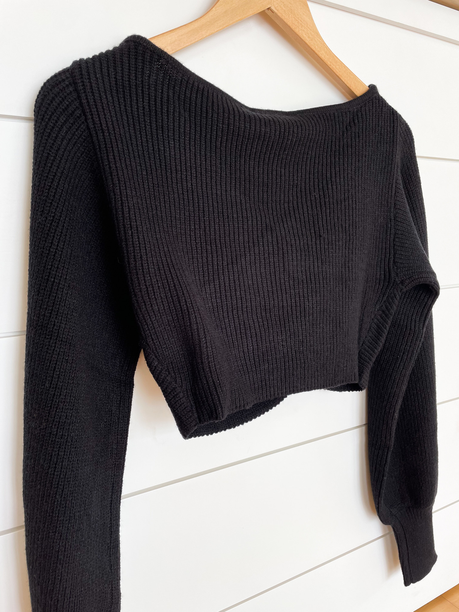 Black Twisted Knit Sweater Crop Top