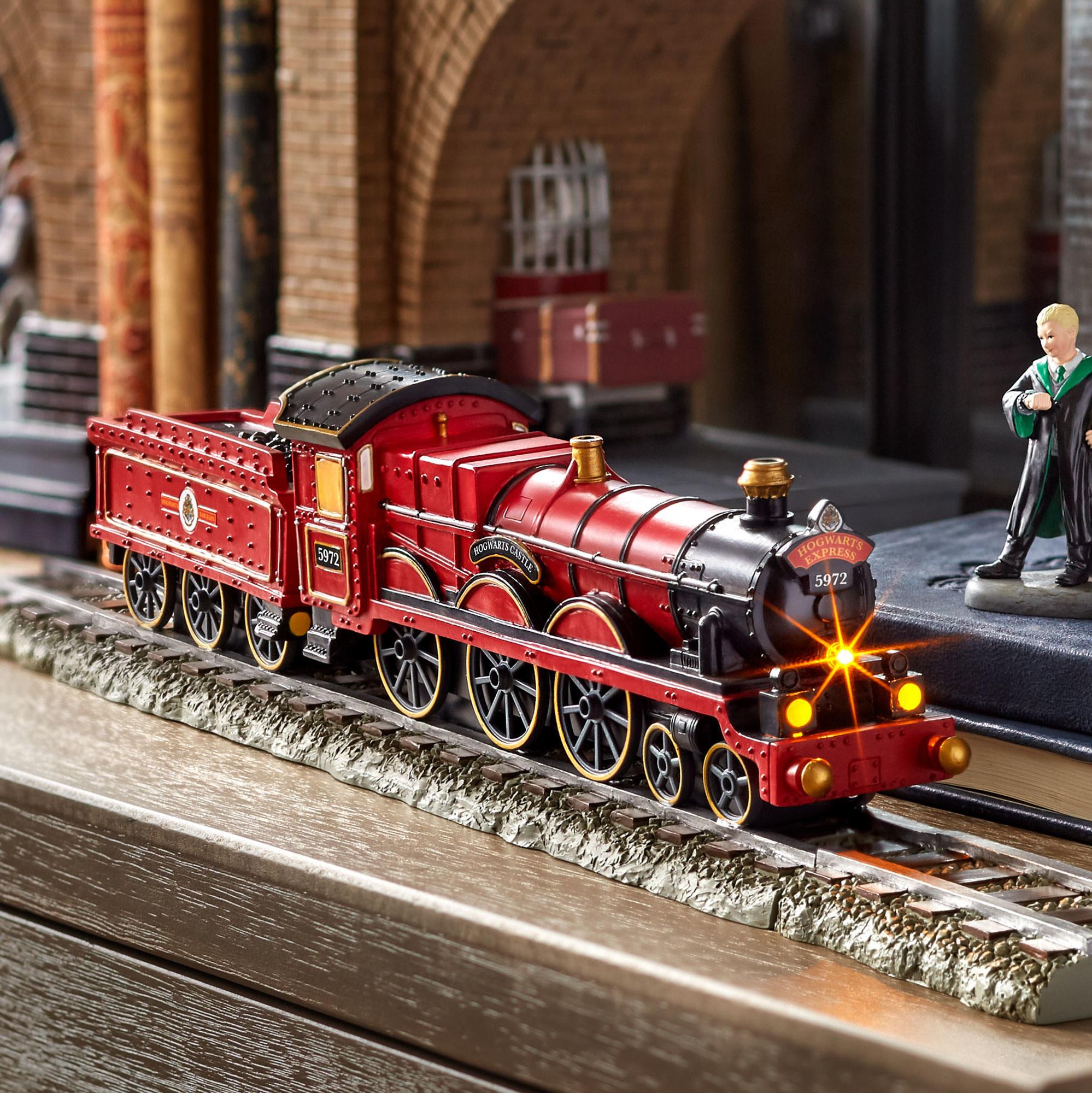 Department 56 Harry Potter Village Hogwarts Express
